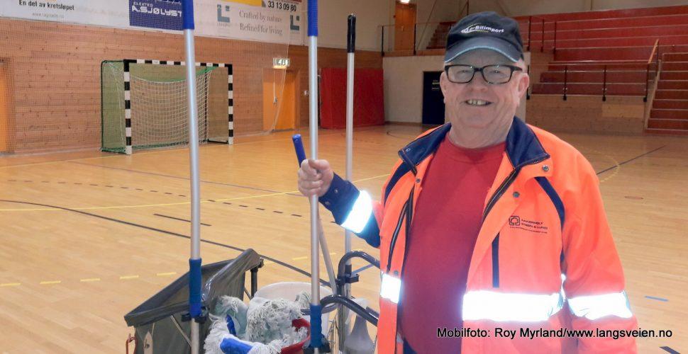 Svein T. Jensen, Tjølling IF, Tjøllinghallen banemann hallansvarlig foto roy myrland