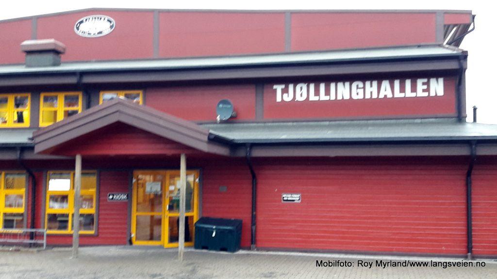 Tjøllinghallen åpnet i mars 2000. Mobilfoto: Roy Myrland