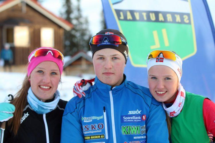 Skiskytterne Inger, Vidar og maria Brenna i Skrautvål IL Foto Roy Myrland