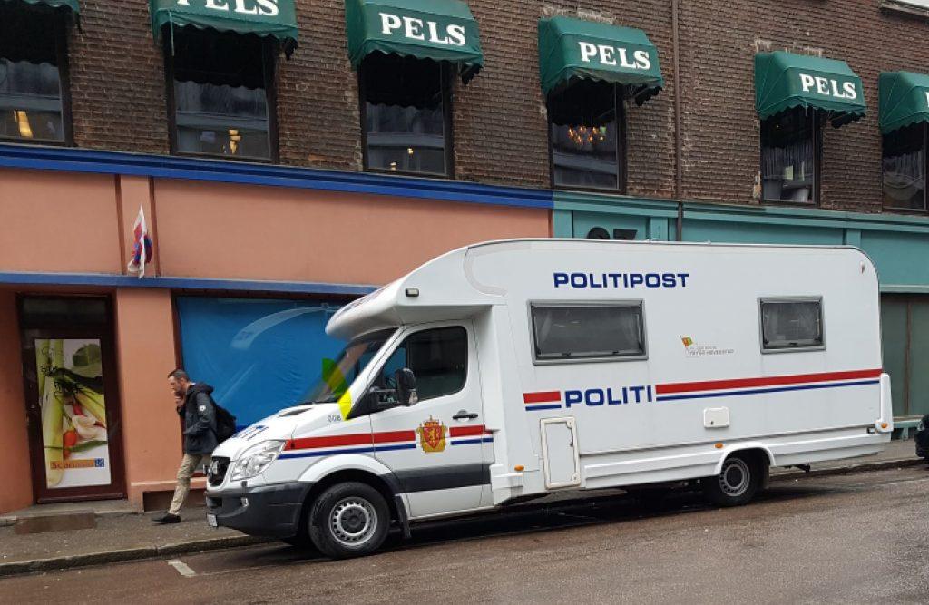 Politi Politipost MEssing politibil bobil foto svein morten sørensen