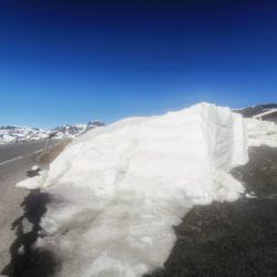 Metervis dyp snø og nykjørte løyper